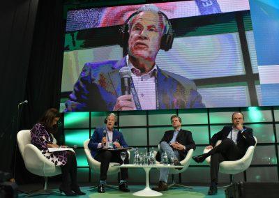 Panel-de-debate-El-papel-del-gobierno-en-la-promocion-de-la-Economia-Verde